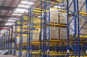 阁楼南京货架搭配运用的仓储设备?