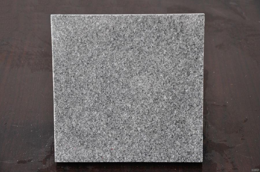芝麻灰火烧板厂家专业分析石材护理知识